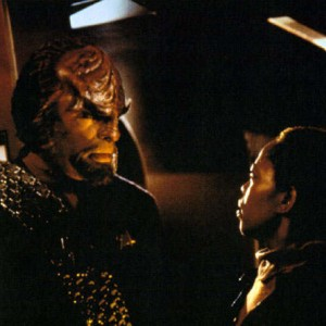 lily_look_at_worf